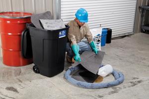 Spill Response_Spill Kit in Use
